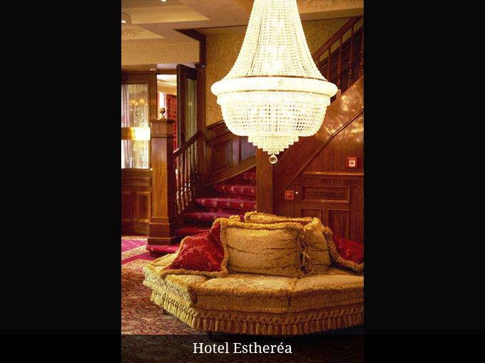 Kroonluchter Hotel Estherea